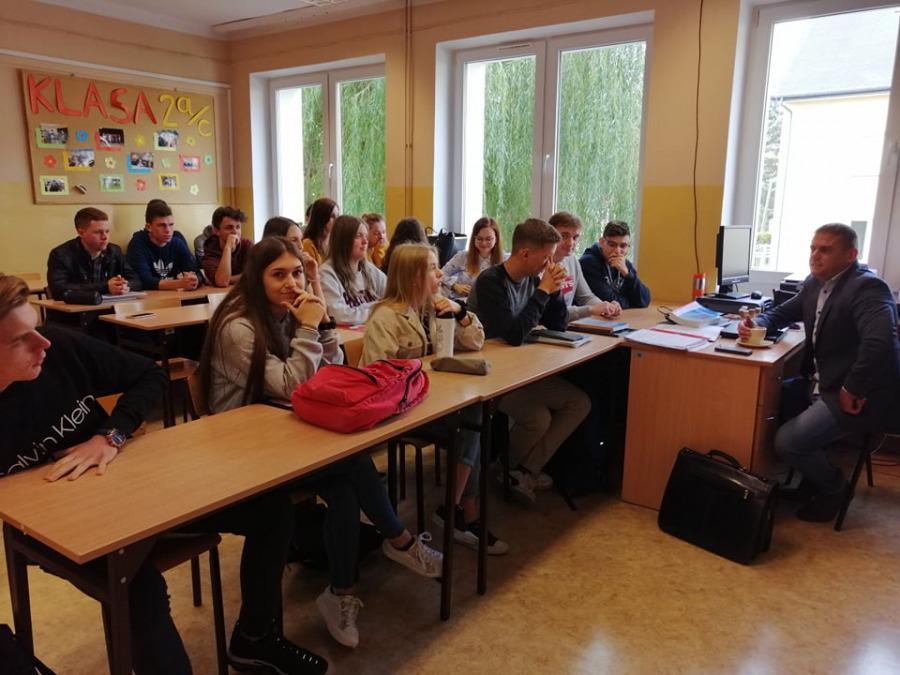 Edukacja prawna dla młodzieży