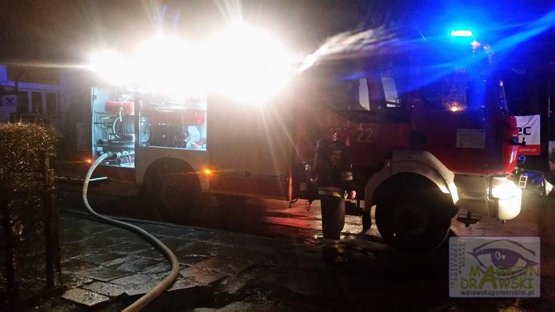 Pożar mieszkania w Drawsku – ewakuowano 10 osób