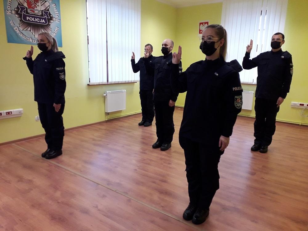 Nowi policjanci wypowiedzieli słowa Roty w Drawsku Pomorskim