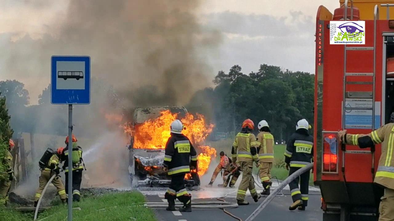 Zagozd - furgonetka stanęła w płomieniach (FILM)