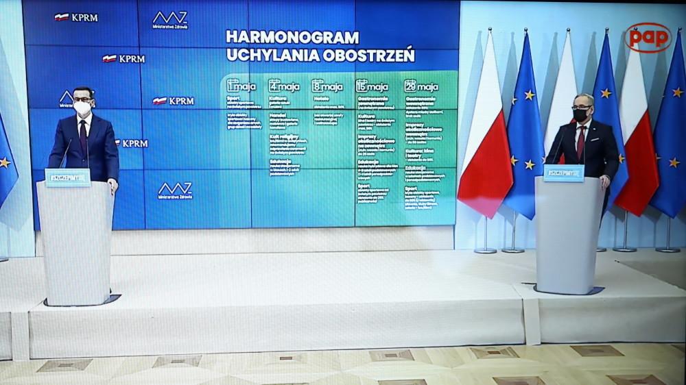 Rząd przedstawił wstępny harmonogram luzowania obostrzeń w maju