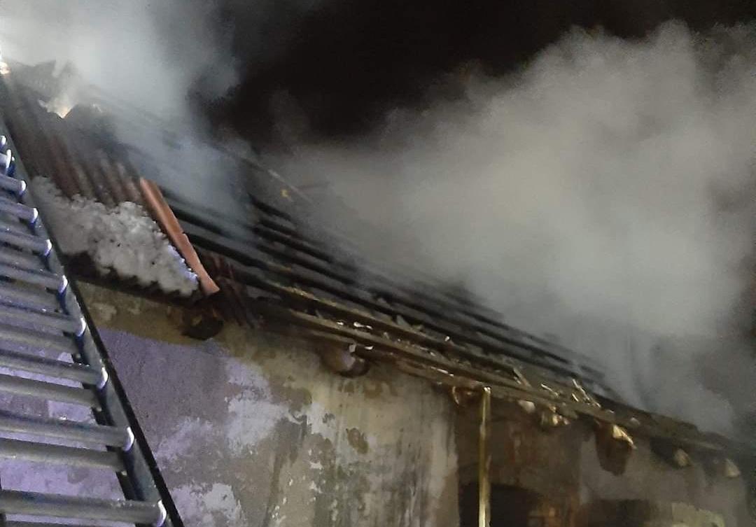 Nocny pożar w Gajewku koło Drawsko Pomorskiego