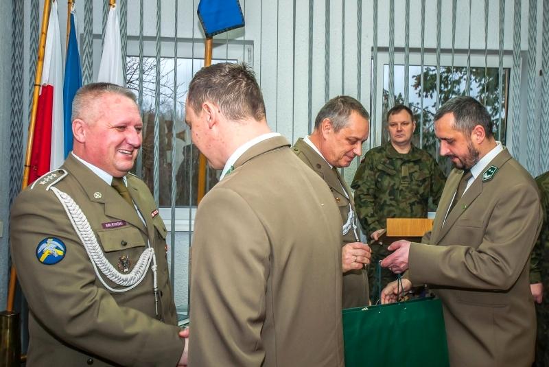 Oficerowie Centrum Szkolenia Wojsk Lądowych Drawsko odeszli do rezerwy