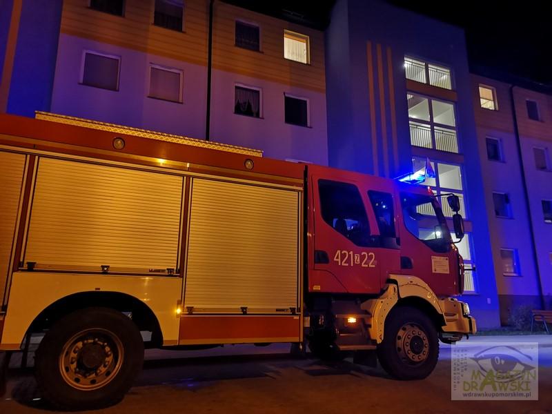 Czujnik Tlenku Węgla ostrzega mieszkańców Drawska na ulicy Prusa -  Interweniuje Wojskowa Straż Pożarna z Oleszna