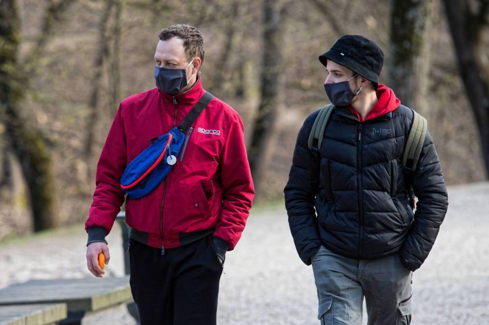 Dworczyk: nakaz noszenia maseczek będzie przeniesiony do ustawy