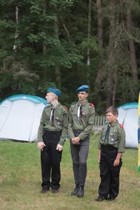 Harcerze z ZPET w Bobrowie na biwaku