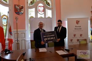 Ponad 5 milionów złotych na drogi w regionie – umowy podpisane
